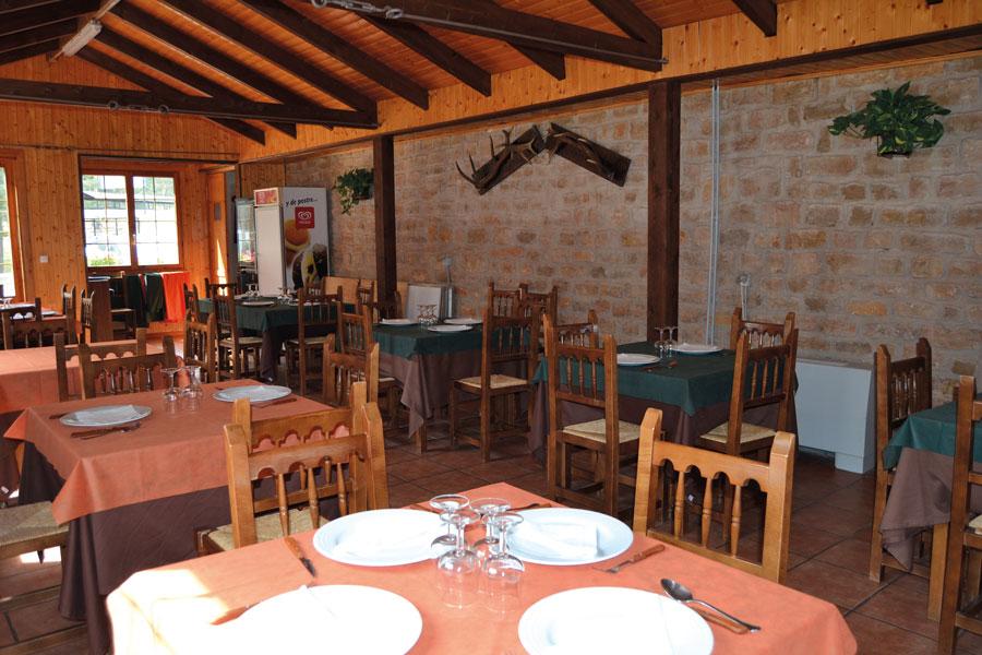 Interior del Restaurante del Camping Orea